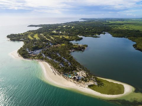 Body of water, Coastal and oceanic landforms, Coast, Natural landscape, Water resources, Water, Landscape, Island, Shore, Bird's-eye view,