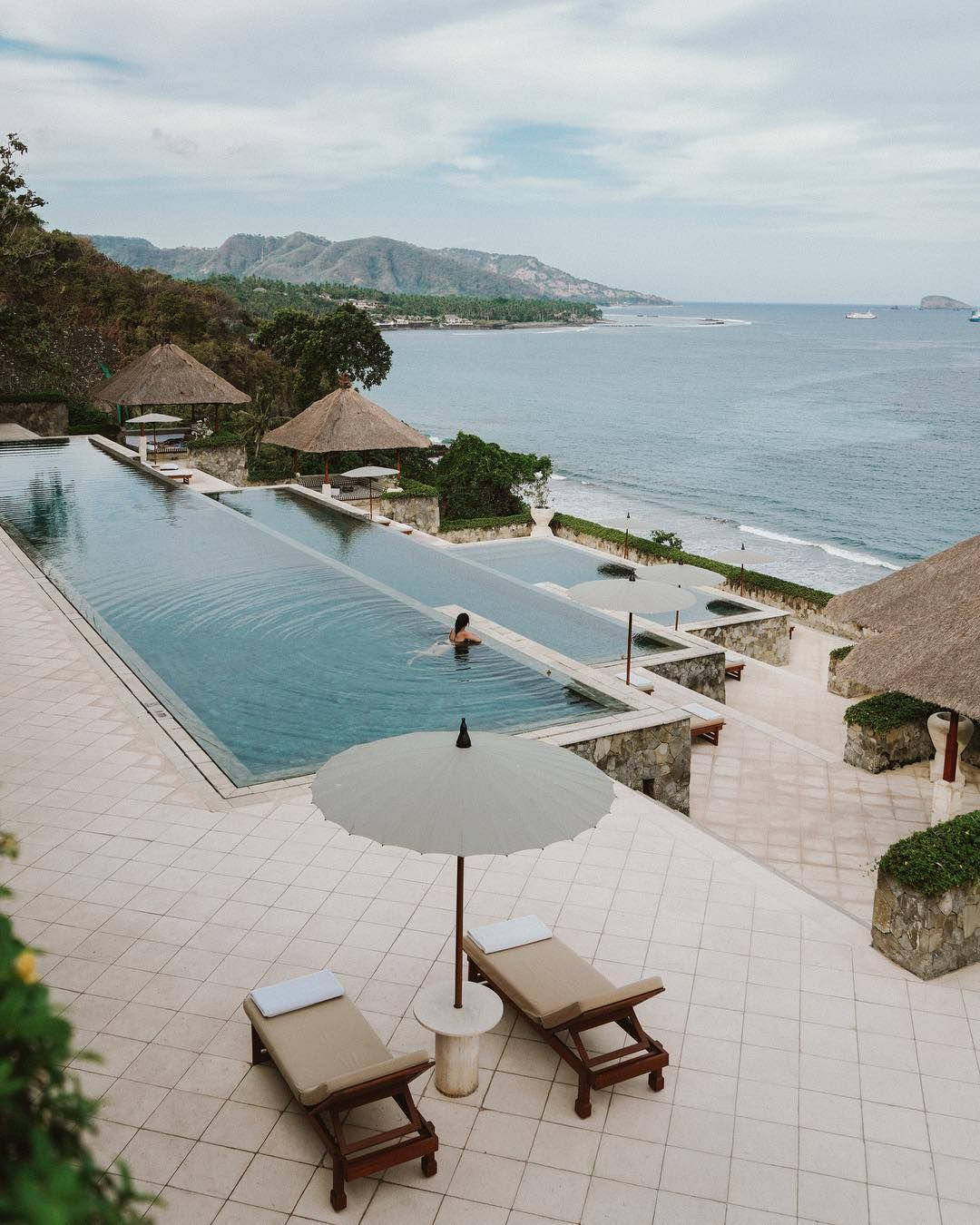 Superieur Infinity Pool Designs