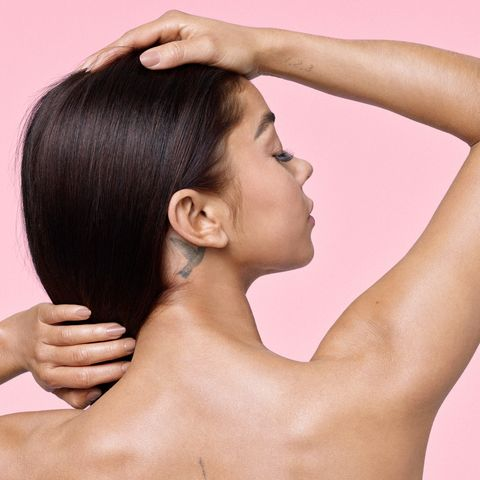 Hair, Skin, Shoulder, Face, Neck, Hairstyle, Beauty, Chin, Joint, Arm,