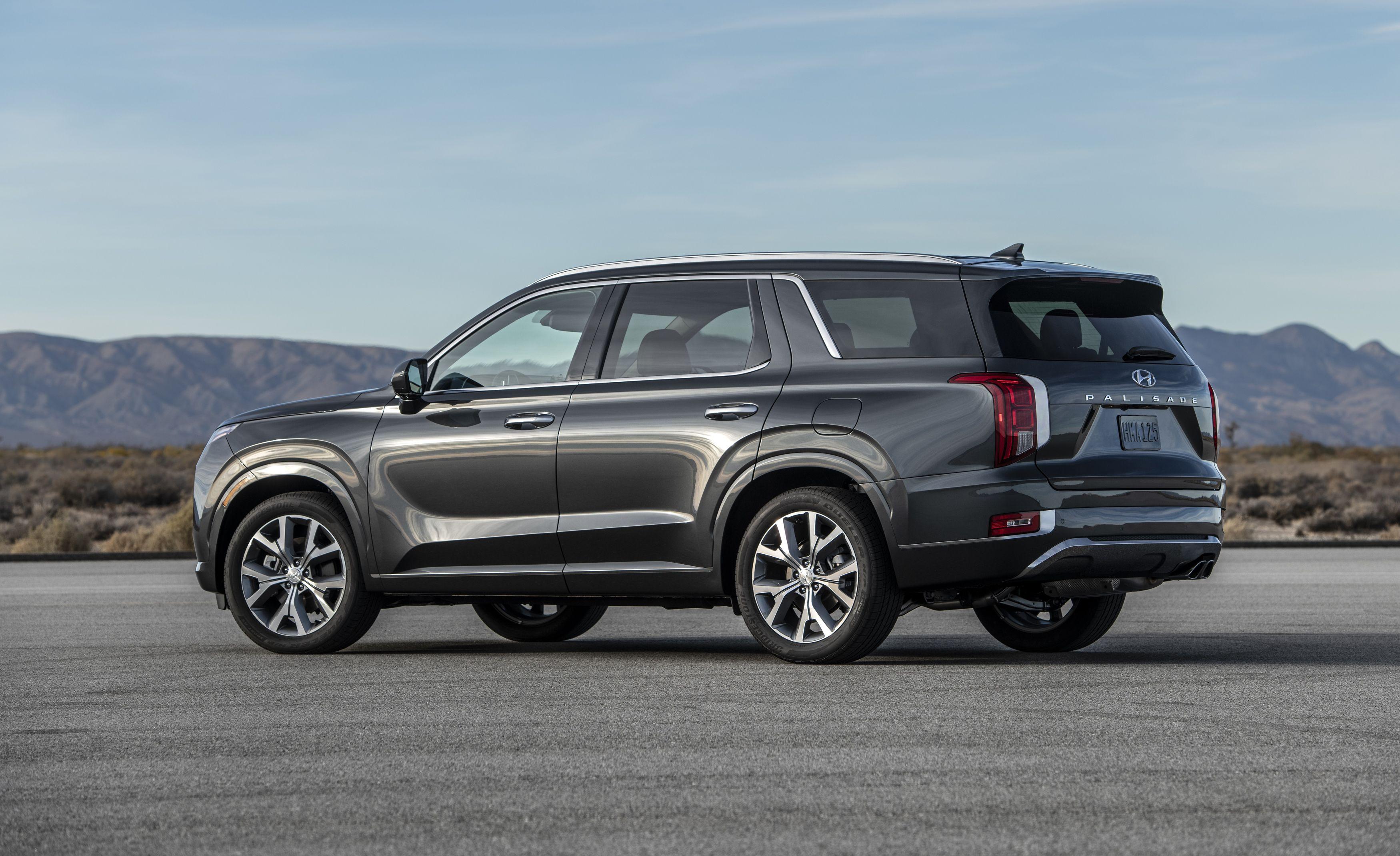The 2020 Hyundai Palisade Is A Properly Three Row Suv