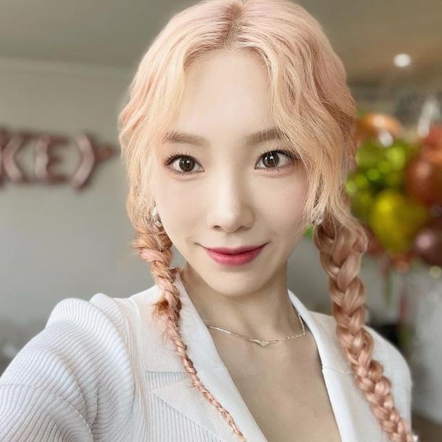 2021中長髮編髮教學!16款韓系辮子範本,逆齡修飾臉型有感