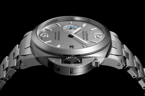 Watch, Analog watch, Watch accessory, Fashion accessory, Metal, Strap, Silver, Jewellery, Material property, Brand,
