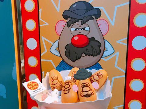 Cartoon, Snack, Illustration, Food, Vegetarian food, American food, Fictional character, Cuisine, Art,