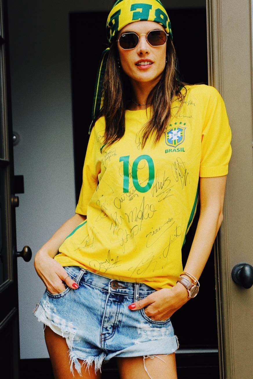 維秘超模, Alessandra Ambrosio,球衣穿搭, 世足賽, 世界盃足球賽, FIFA