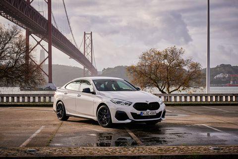Land vehicle, Vehicle, Luxury vehicle, Car, Automotive design, Personal luxury car, Wheel, Rim, Mid-size car, Performance car,