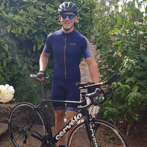 Land vehicle, Cycling, Cycle sport, Bicycle, Bicycle frame, Vehicle, Bicycle helmet, Road bicycle, Cycling shorts, Bicycle handlebar,