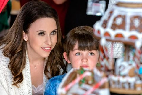 People, Child, Brown hair, Toddler, Christmas, Event, Photography, Holiday, Christmas eve, Vacation,