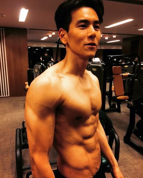 Bodybuilder, Barechested, Muscle, Abdomen, Bodybuilding, Chest, Fitness professional, Arm, Shoulder, Chin,