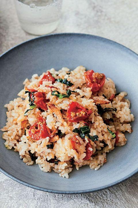 セミドライトマトと桜海老のチャーハン のレシピ・作り方|ELLE gourmet [エル・グルメ]