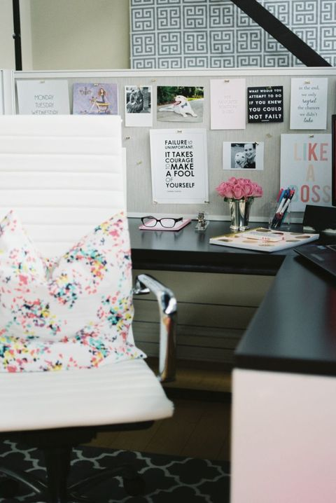 10 Best Cubicle Decor Ideas In 2018 How To Decorate Your Cubicle