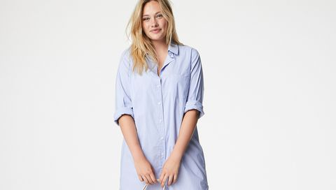 Clothing, White, Blue, Shoulder, Neck, Sleeve, Joint, T-shirt, Arm, Top,