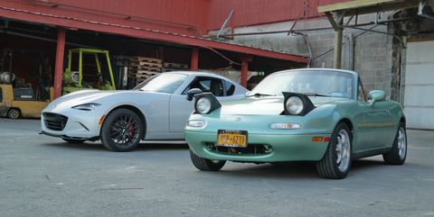 Land vehicle, Vehicle, Car, Sports car, Automotive exterior, Hood, Wheel, Mazda, Mazda rx-7, Automotive wheel system,