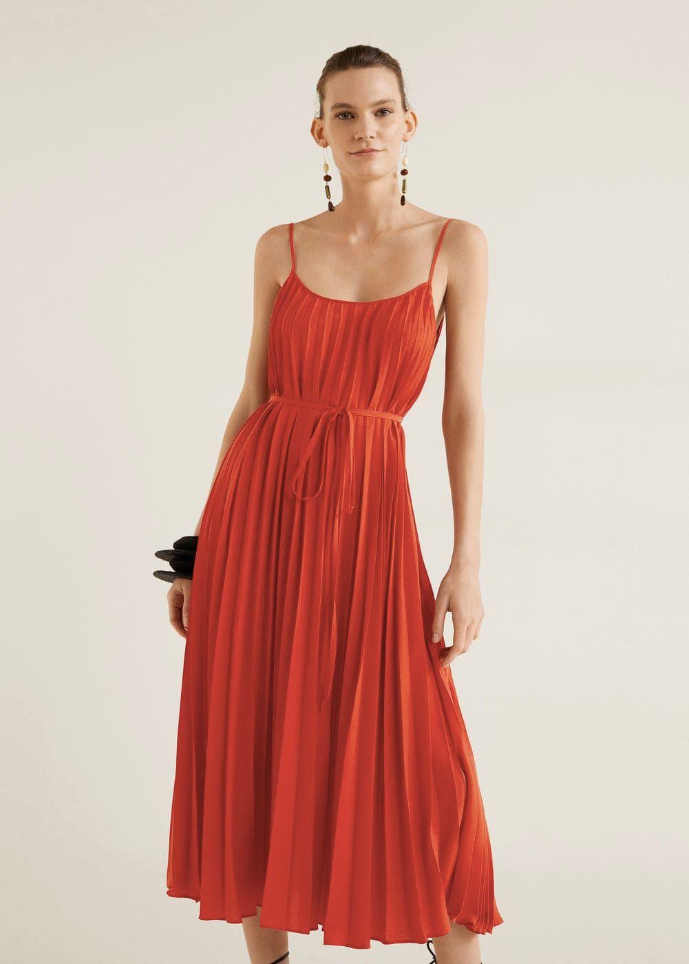 Vestidos y 'looks' de invitada de boda para ser la más guapa