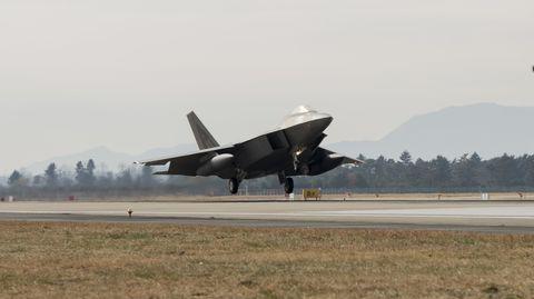Aircraft, Vehicle, Airplane, Aviation, Air force, Military aircraft, Flight, Jet aircraft, Lockheed martin f-22 raptor, Takeoff,