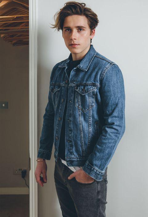 Torna il giubbotto di jeans anni 90 e6b179030b6