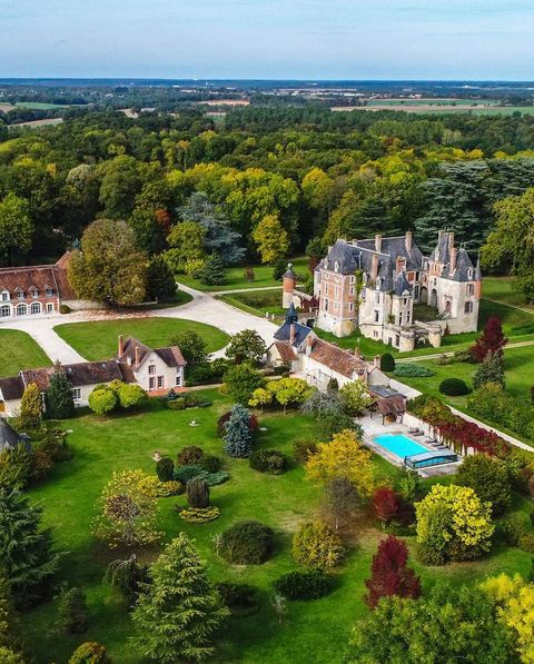 Aerial photography, Bird's-eye view, Property, Natural landscape, Estate, Building, Photography, Landscape, City, Real estate,