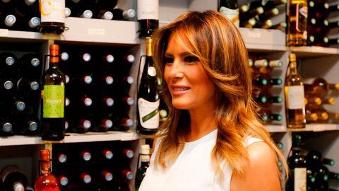 Melania Trump Consigue Combinar Un Vestido Largo Con Bailarinas