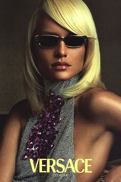 Eyewear, Hair, Blond, Beauty, Hairstyle, Lip, Model, Hair coloring, Sunglasses, Fashion,