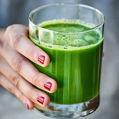 show me the yummy green juice with celery