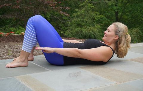 Physical fitness, Leg, Shoulder, Arm, Yoga mat, Pilates, Joint, Exercise, Thigh, Knee,