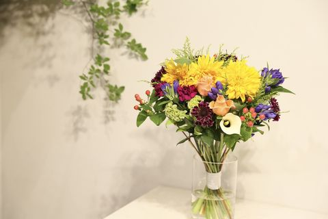 Flower, Bouquet, Flower Arranging, Floristry, Cut flowers, Floral design, Yellow, Plant, Vase, Wildflower,