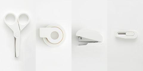 白色的剪刀、交代、釘書機、美工刀