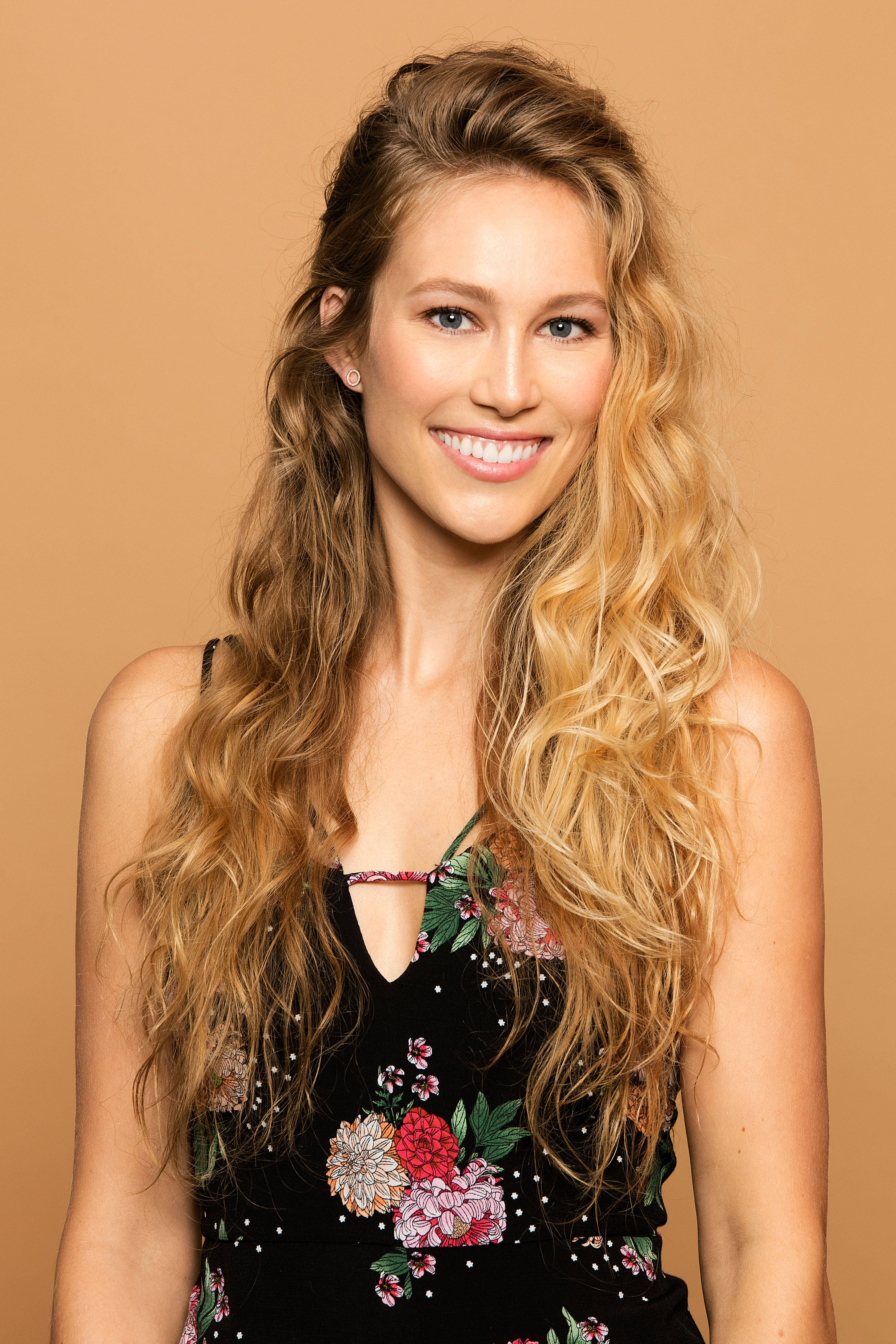 7 Easy Ways To Style Textured Curly Or Wavy Hair