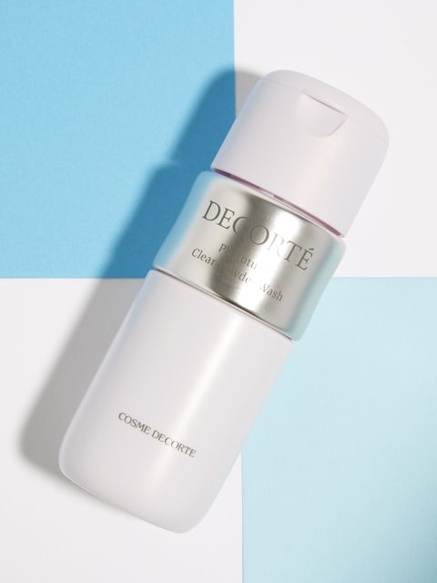 Product, Skin, Beauty, Water, Material property, Font, Fluid, Skin care, Moisture, Cream,