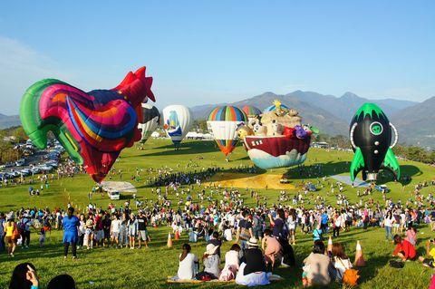 Inflatable, Fun, Sky, Grass, Games, Balloon, Leisure, Grassland, Festival, Crowd,