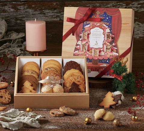 紅色的「暖心聖誕夜」餅乾禮盒