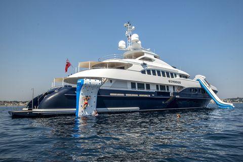 Vehicle, Water transportation, Yacht, Luxury yacht, Boat, Motor ship, Naval architecture, Ship, Watercraft, Ferry,