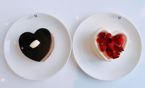 《lady m》七夕情人節蛋糕「 玫瑰千層、皇冠巧克力」