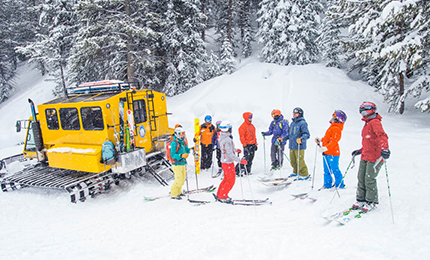 Snow, Geological phenomenon, Winter, Ski, Ski Equipment, Skiing, Winter sport, Transport, Recreation, Footwear,