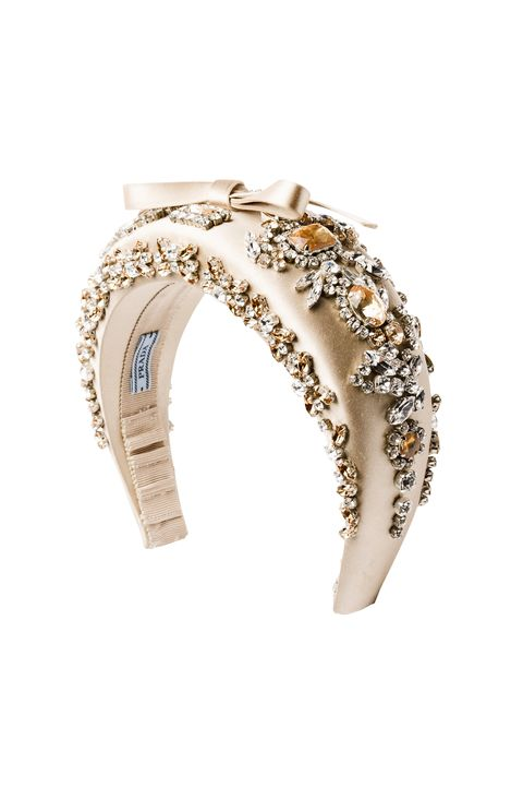 Fashion accessory, Jewellery, Ear, Organ, Ring, Beige, Diamond, Gemstone, Metal, Body jewelry,