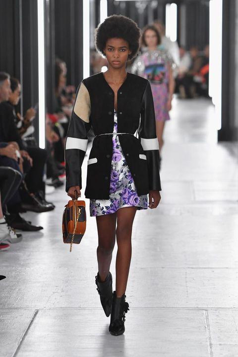 Fashion model, Fashion, Fashion show, Clothing, Runway, Street fashion, Shoulder, Footwear, Snapshot, Fashion design,