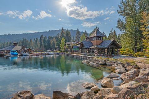 lakeside home in Lake Tahoe