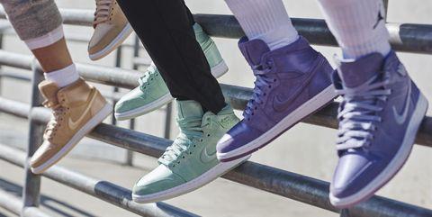 Footwear, Leg, Shoe, Fashion, Human leg, Ankle, Boot, Recreation, Tights, Leggings,