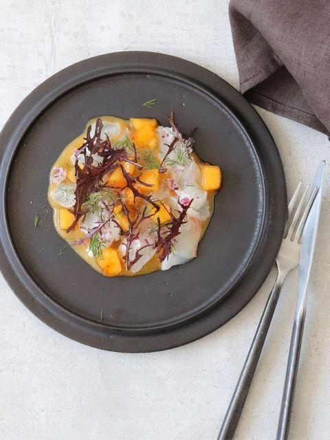 真鯛と柿のカルパッチョ のレシピ・作り方 ELLE gourmet [エル・グルメ]