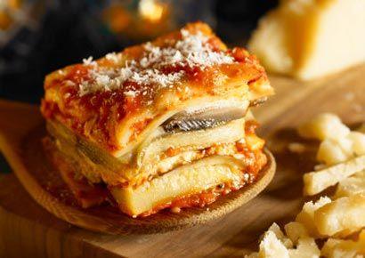 Food, Cuisine, Ingredient, Dish, Meal, Finger food, Plate, Breakfast, Sandwich, Tableware,