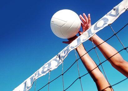 Daytime, Ball, Sports equipment, Net, Ball game, Playing sports, Ball, Team sport, Azure, Basketball,