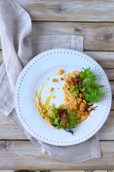 柿のフムスサラダ仕立て のレシピ・作り方|ELLE gourmet [エル・グルメ]
