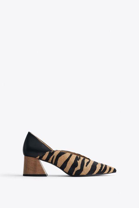 Footwear, Shoe, Tan, Court shoe, Brown, Beige, Mary jane, Ballet flat, High heels, Slingback,