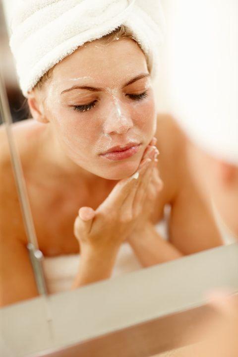 Face, Skin, Beauty, Head, Eyebrow, Nose, Chin, Hand, Bathing, Forehead,