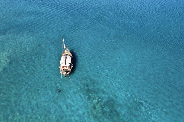 the blue palace, crete, blue beach