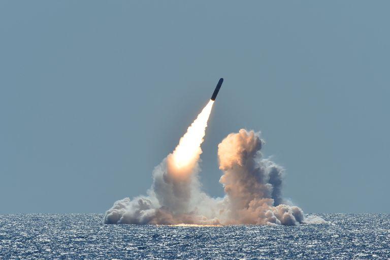 El USS Nebraska prueba con éxito el misil Trident II D5