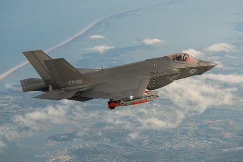 Aircraft, Airplane, Air force, Vehicle, Military aircraft, Fighter aircraft, Aviation, Flight, Lockheed martin f-35 lightning ii, Jet aircraft,