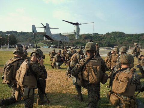 Military, Military organization, Army, Troop, Soldier, Infantry, Helicopter, Boeing ch-47 chinook, Military helicopter, Rotorcraft,