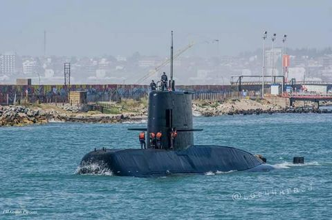 Submarine, Ballistic missile submarine, Cruise missile submarine, Vehicle, Watercraft, Boat, Ship, Navy, Channel, Tugboat,