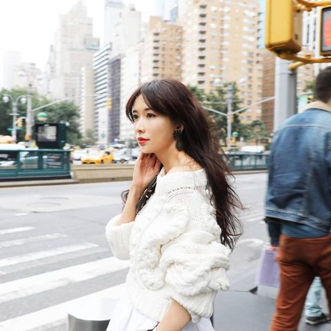 Photograph, White, Clothing, Shoulder, Street fashion, Beauty, Snapshot, Skin, Fashion, Waist,