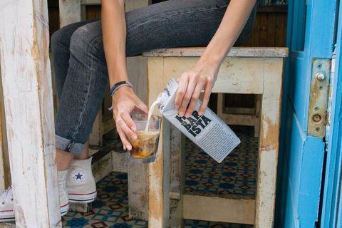 711也喝得到oatly燕麥奶!city cafe推出「冰燕麥拿鐵」,乳糖不耐症也能喝